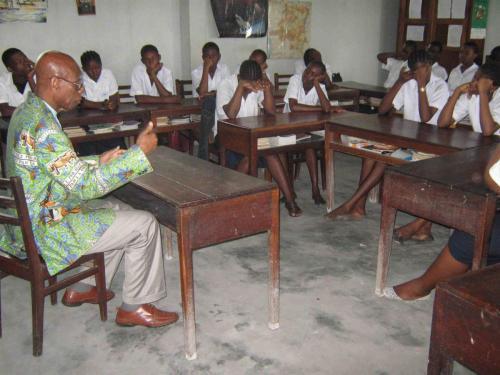 VISITE DU DR TSHIMUNGU (1)